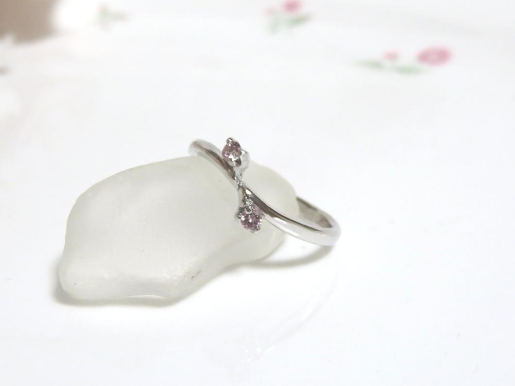 メレピンクダイヤリング