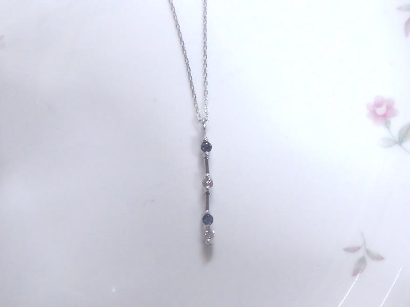 アレキサンドライトとダイヤモンドのペンダント