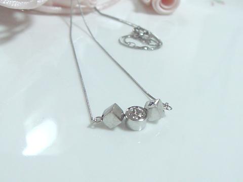 ダイヤモンドのプラチナキュービックのペンダントafter