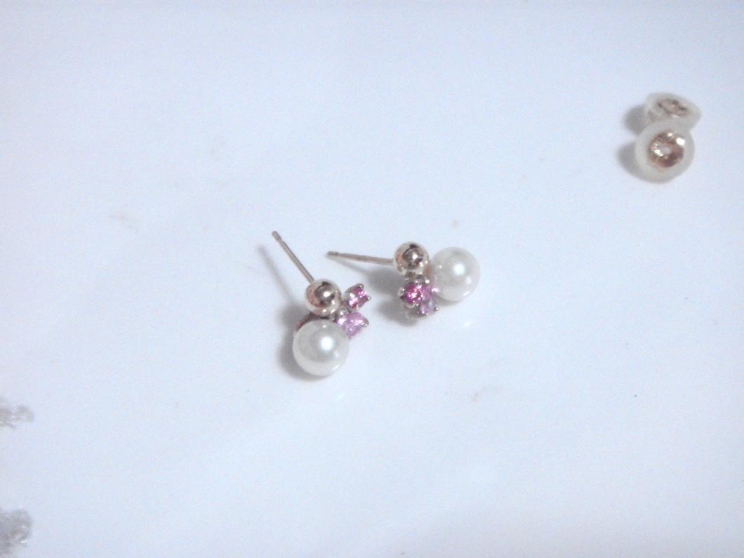 パールとピンク石のピアス