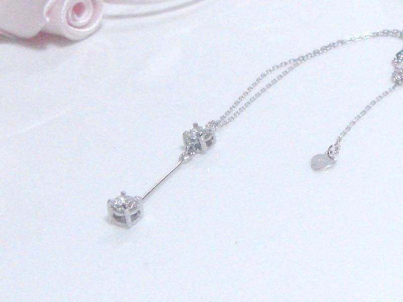 ダイヤモンド 2ストーンのペンダント
