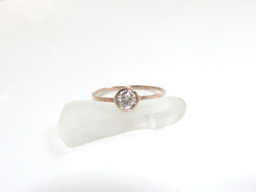 ダイヤモンドの細リング