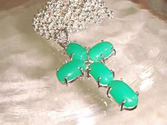 緑石のクロスペンダントafter